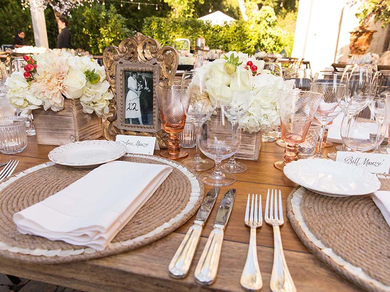 4. Rustic Napa Table Top Decor